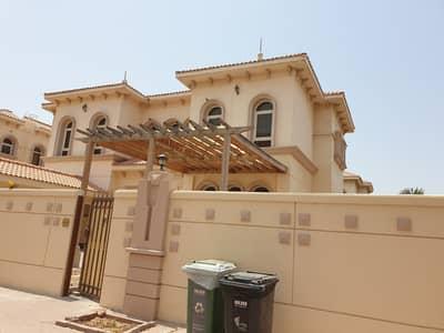 6 BR VILLA WITH MAIDROOM, GARDEN, 2 HALLS, 9 BATHROOMS, PRIME LOCATION, MAIN KITCHEN INSIDE