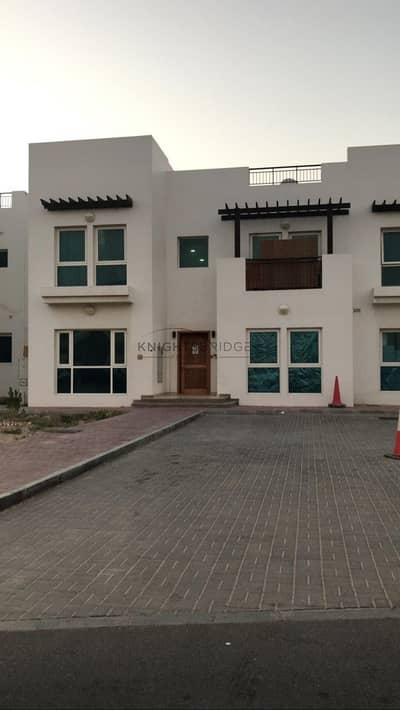 فیلا 5 غرف نوم للبيع في القوز، دبي - Huge 5 Bed Villa with Maids-room