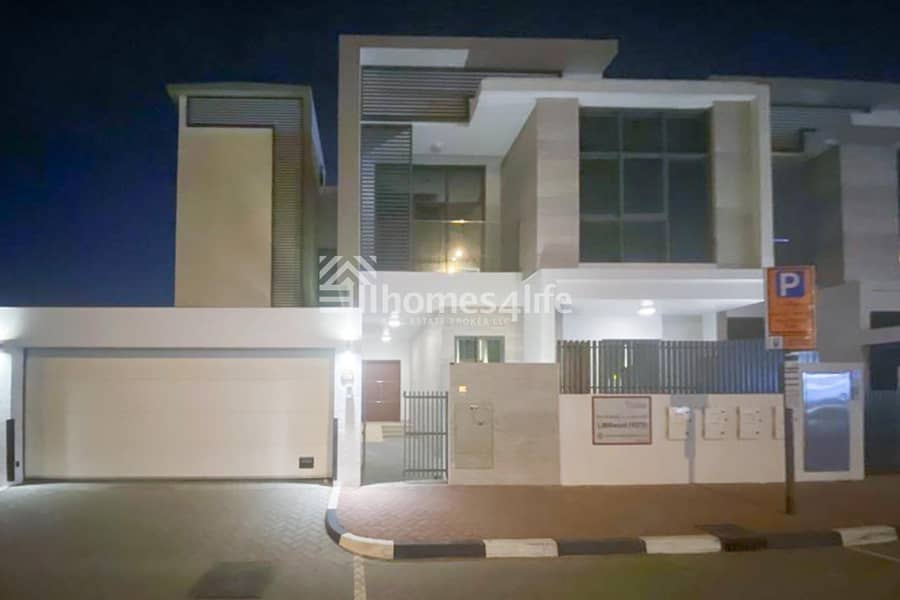 Modern 4 Beds Villa|Private pool