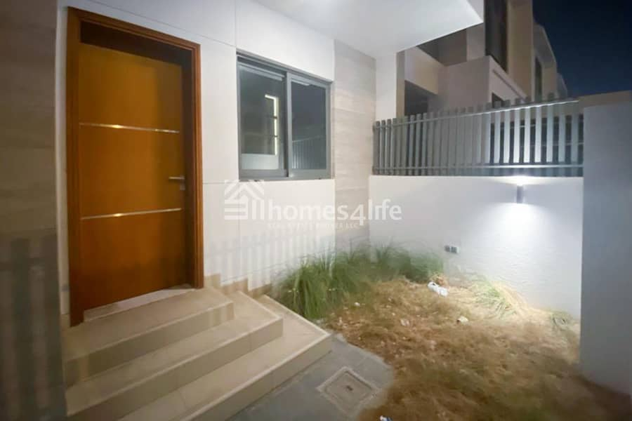 2 Modern 4 Beds Villa|Private pool
