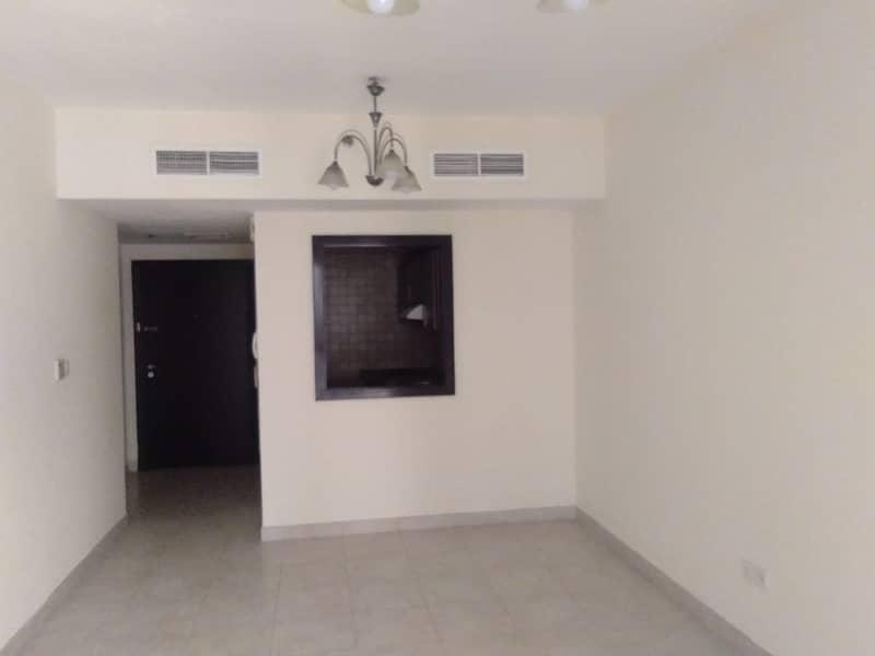 شقة في برايم ريزيدنس 2 برايم ريزيدينس الحي الإسباني المدينة العالمية 1 غرف 24000 درهم - 4596643