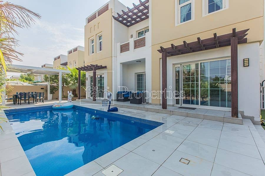Need a Pool? And a 5BR Villa? Look no Further!