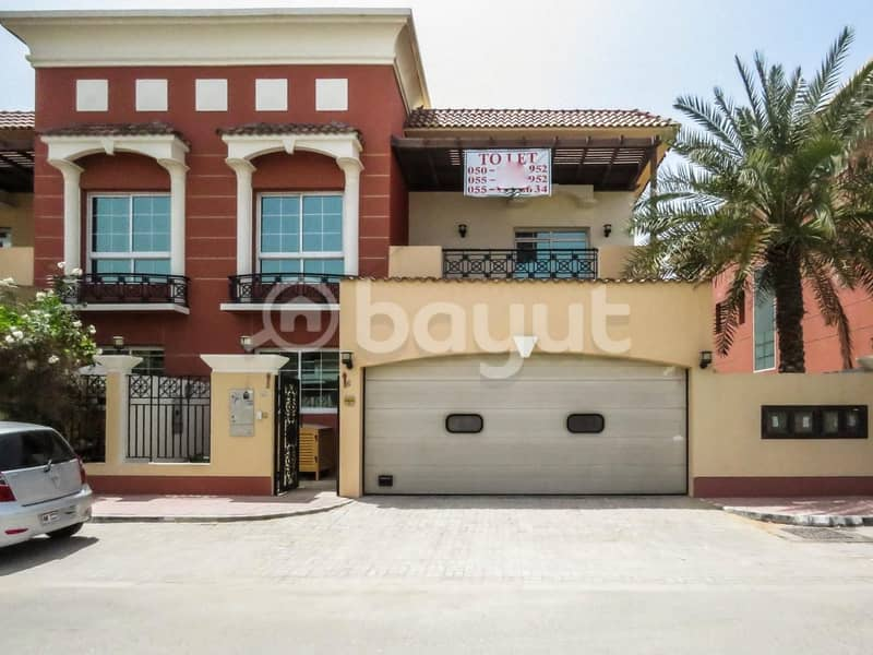 2 5bhk + Maid room beautiful Independent villa in very nice location