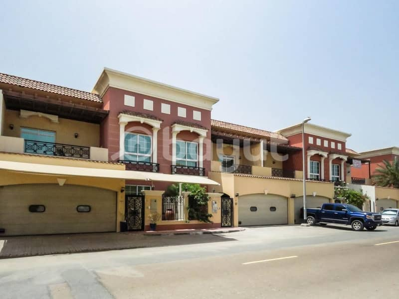 5bhk + Maid room beautiful Independent villa in very nice location