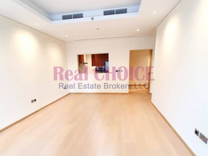Spacious & Brand New 1BR Deluxe Living in Downtown