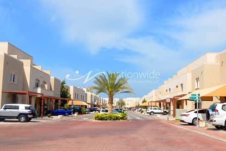 فیلا 3 غرف نوم للايجار في الريف، أبوظبي - 3 BR +2 Villa With New Kitchen + Jaccuzi In Al Reef
