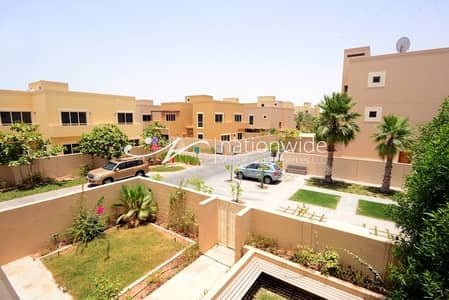3 Bedroom Townhouse for Sale in Al Raha Gardens, Abu Dhabi - An Ideal 3 BR Townhouse with Rent Refund