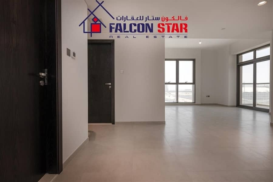 2 Spacious 2 Bed Apt Premium Apt  Best Layout With Balcony  White Goods