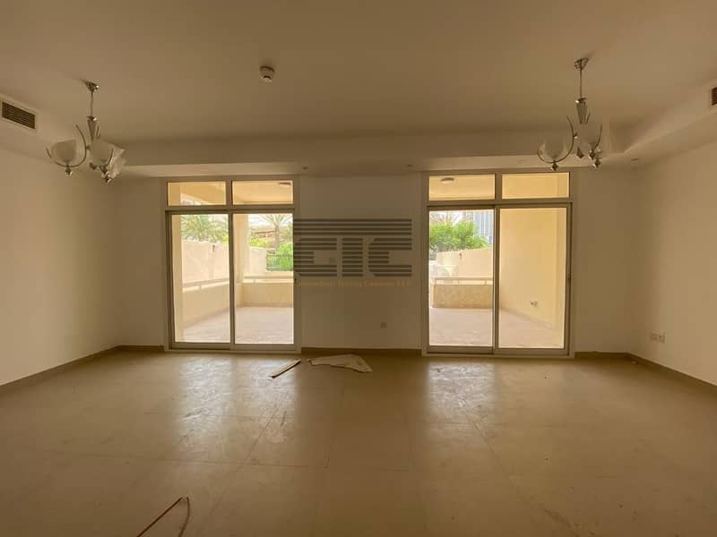 SPacious Villa in JVC available for rent @ 105k