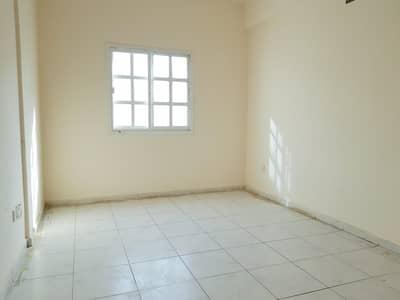 فلیٹ 2 غرفة نوم للايجار في المجرة، الشارقة - 10