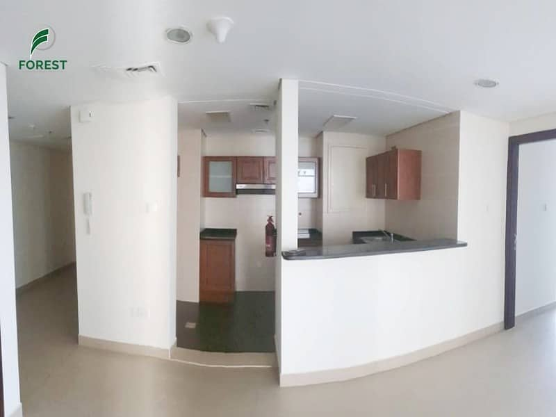 2 Lake View | 2 Beds | Beside Metro Station | Vacant