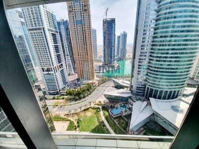 Office for Rent in Jumeirah Lake Towers (JLT), Dubai - 5 parkings |Half Floor| Lake View | Cluster I