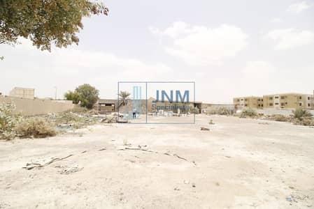 ارض تجارية  للبيع في القوز، دبي - Huge commercial land available in al qouz for Labour Camp