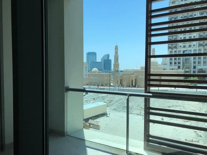 2  Tower 2 in Dubai Wharf