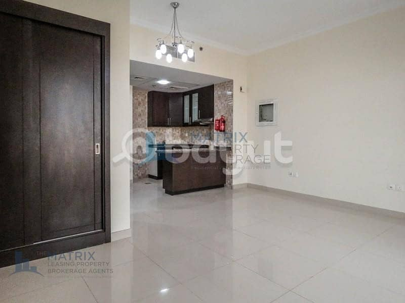 2 Huge  unfurnished studio for rent in Burj View