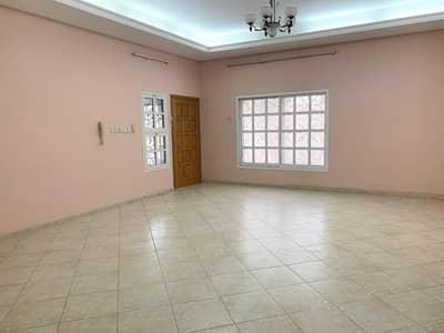 5 Bedroom Villa for Sale in Halwan Suburb, Sharjah - kitchen very spacious