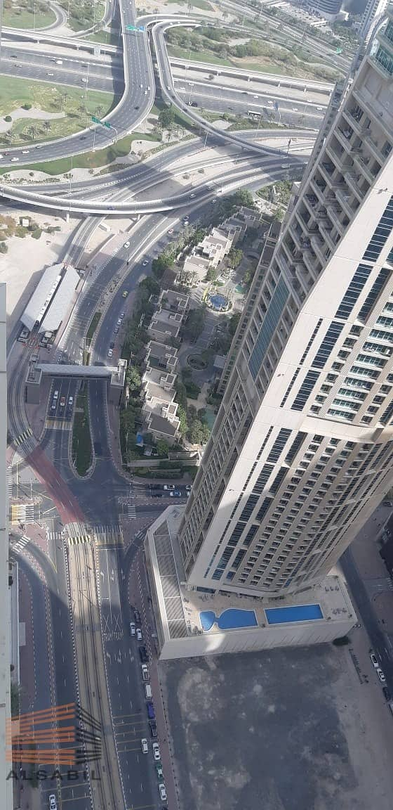 33 3bedroom for rent in marina Pinnacle -AC free - 1month free