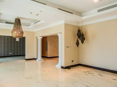 3 Bedroom Apartment for Sale in Palm Jumeirah, Dubai - UPGRADED|Well Maintained|Partial Sea View|Rented