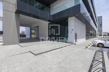 محل تجاري  للايجار في الخليج التجاري، دبي - Retail Shop