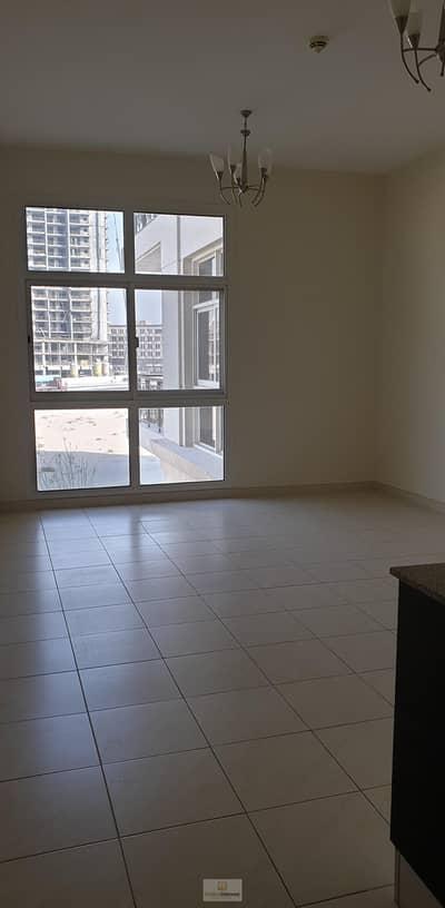 شقة 1 غرفة نوم للايجار في أرجان، دبي - Spacious One Bedroom with Balcony available in La Fontana