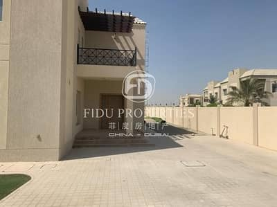 Beautiful 6 bed |Huge Plot full | golf course view