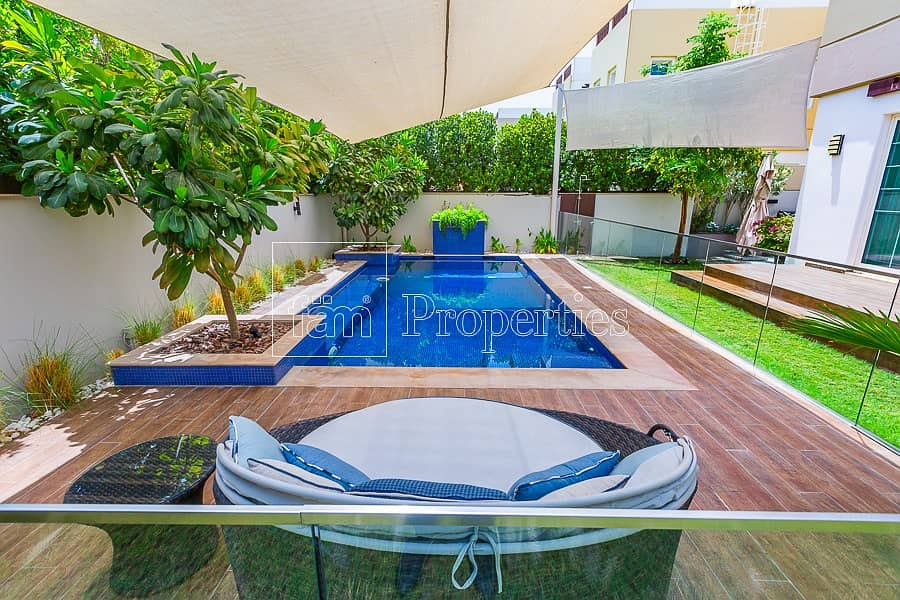 2 Exquisitely Upgraded Quality 4BR Villa w/ Pool