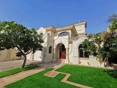 4 Bedroom Villa for Rent in Palm Jumeirah, Dubai - Atrium Entry | Immaculate Condition| Keys With Me