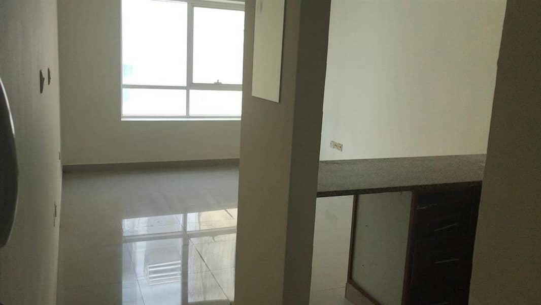 6 Office To Let in Al Murar