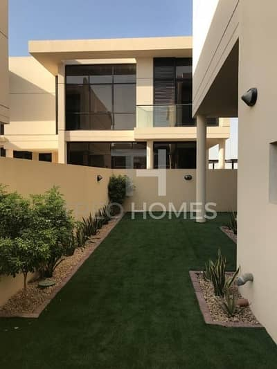 3 Bedroom Townhouse for Sale in DAMAC Hills (Akoya by DAMAC), Dubai - Landscaped THM|Fully kitchen applainces