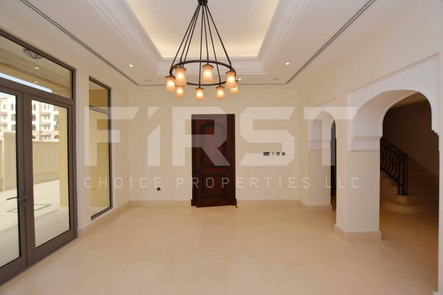 2 Vacant Now! Superb Fully Furnished Villa