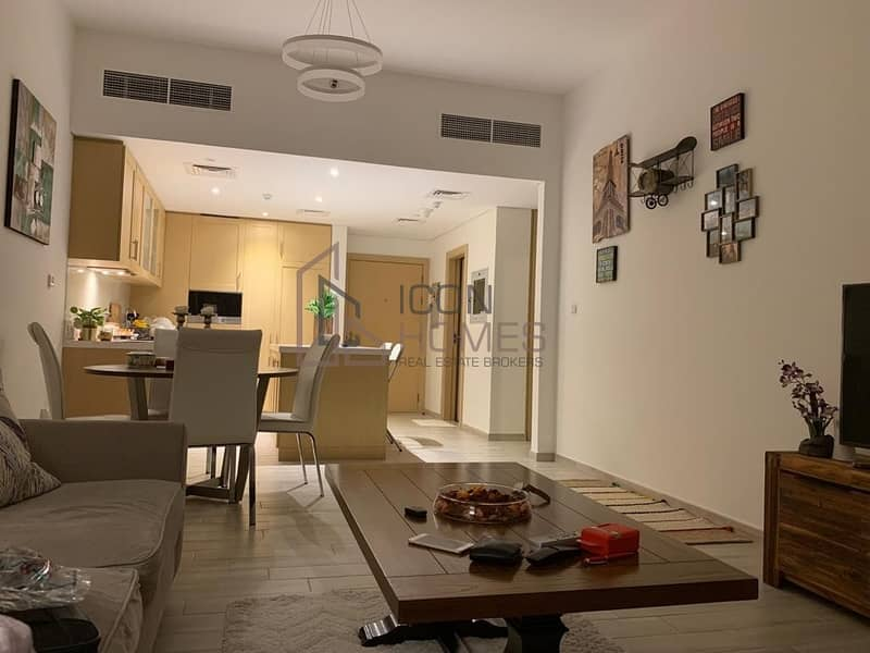 Spacious One Bedroom/Largest Unit/Open Kitchen