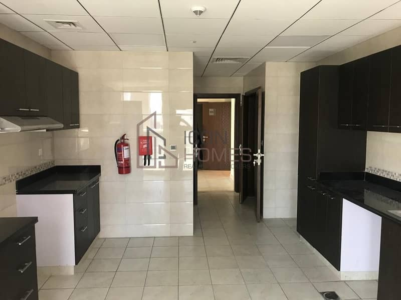 2 SPACIOUS WITH STUNNING VIEW | NEAR TO METRO| ONE MONTH FREE!