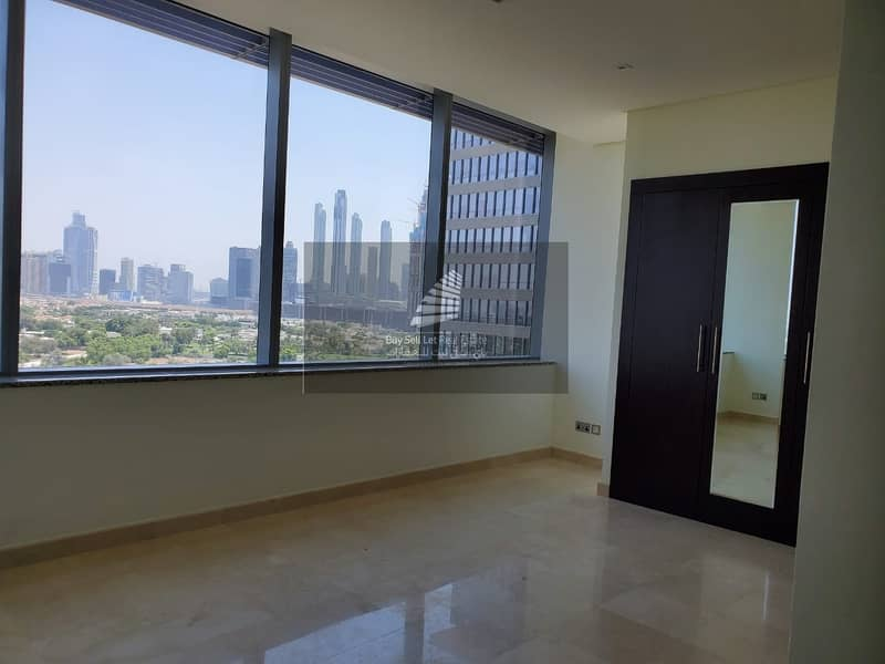 2 DIFC Views - Spacious Studio - Modern Fitted Kitchen- Sea View