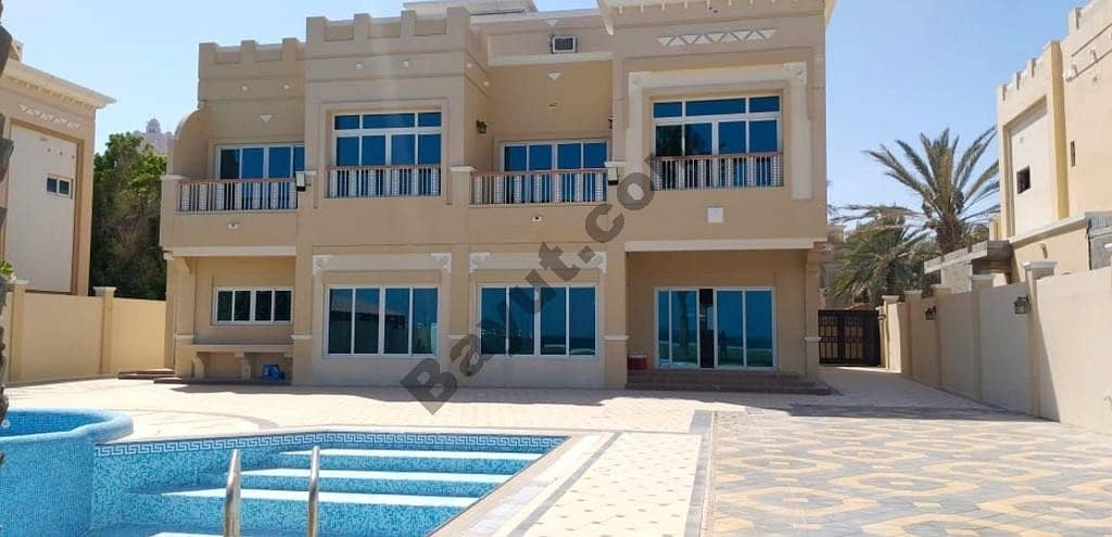 Luxurious 4 BHK Maids+Drivers Room With Access To Beach With Private Pool