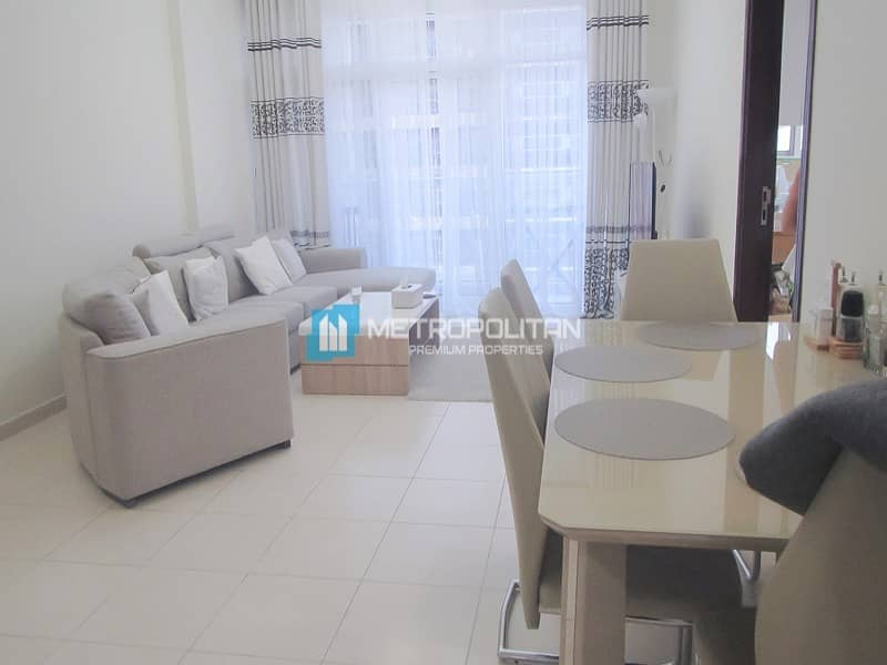 2Beds Mid floor/Spacious Living/vacant on transfer