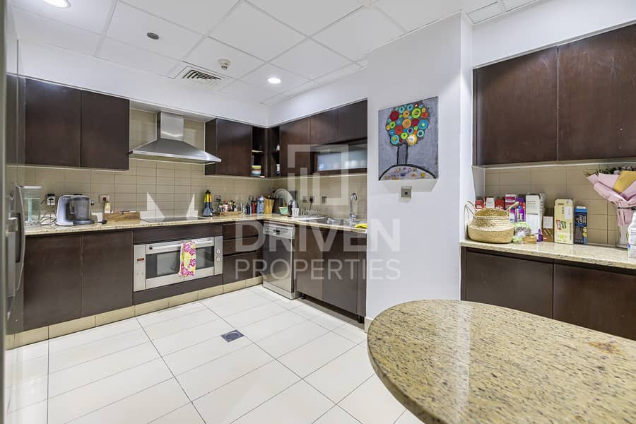 2 Upgraded 2 Bed Apartment in a Prime Location
