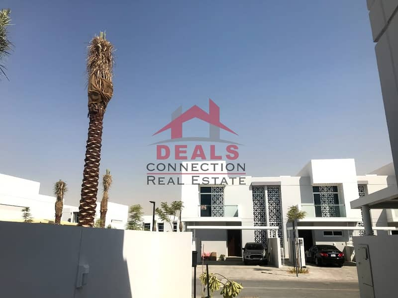 Amazing 4 Beds + Maids + Storage TH w/ Balcony in Arabella available for Rent