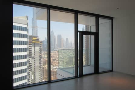 Studio for Rent in Business Bay, Dubai - HIGH FLOOR | VIEW OF BURJ KHALIFA & THE CANAL