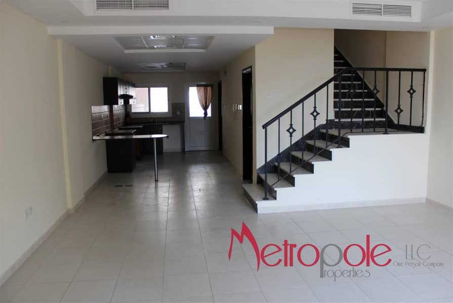3 Bedrooms Villa with Maid's and Private Garden in Diamond Views 3 - JVC