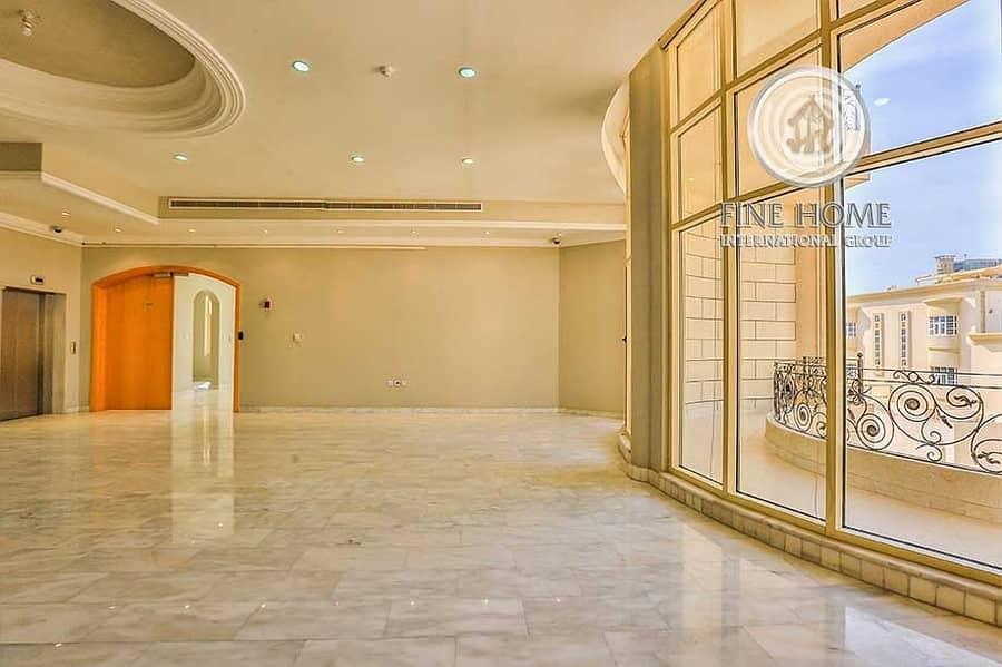 2 Villa | 9 BR | Jacuzzi | Gym | Sauna Room | Big Patio