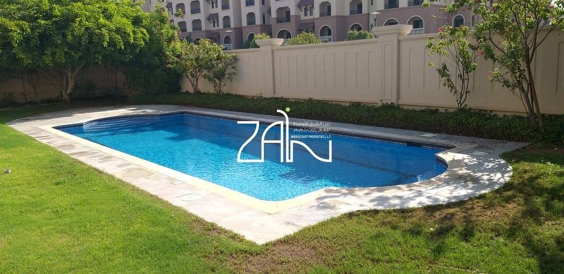 2 Luxurious 5 BR Villa Executive with Private Pool and Garden