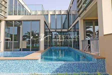 فیلا 4 غرف نوم للبيع في شاطئ الراحة، أبوظبي - Sun-drenched Beachfront Villa w/ Private Pool In Al Zeina