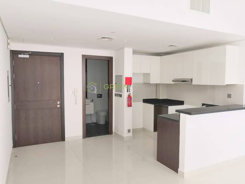2 Stylish Studio Apartment | Best-Branded Kitchen Appliances | Dezire Residences