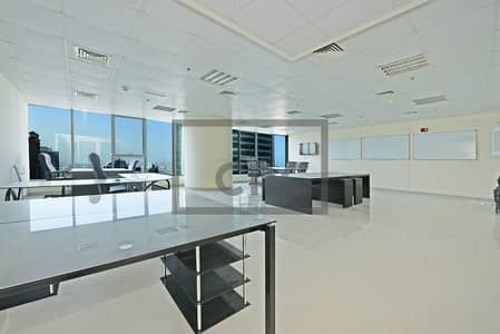 Office for Rent in Jumeirah Lake Towers (JLT), Dubai - Fully Fitted | Lake view | Platinum Tower