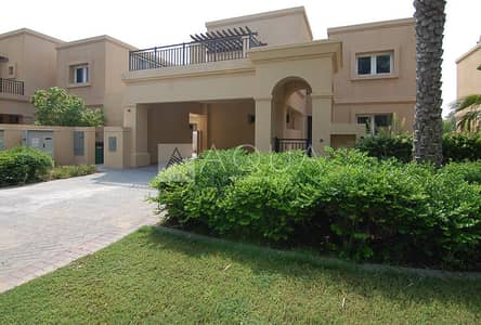 4 Bedroom Villa for Rent in Emirates Golf Club, Dubai - Lake & Golf View| Managed | Private Pool