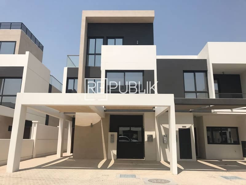 Stylish 5BR TH with Maid Room and Landscape Garden
