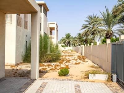 5 Bedroom Villa for Sale in Emirates Hills, Dubai - Prime Location   Resale 5BR   Negotiable Offer