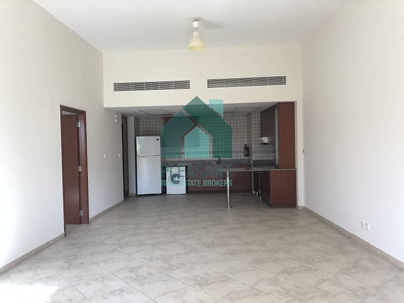 2 Vacant Specious 1BR Apt For Rent In Shakespare Circus.