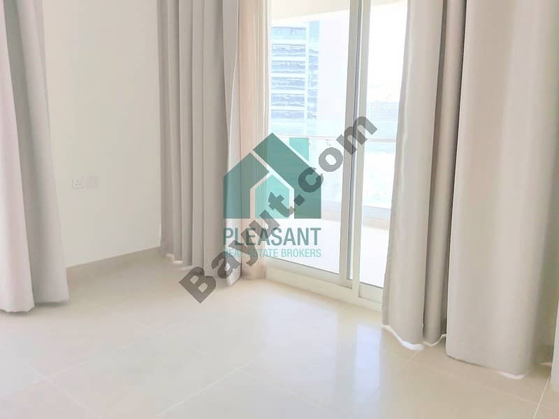 2 Facing Burj & Park Luxuries 1 BR Fully Furnished For Sale!!