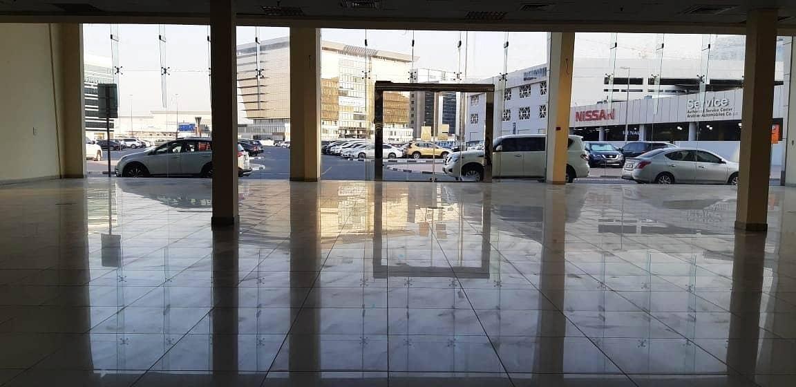 HUGE Showroom in Port Saeed Near DNATA Deira